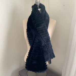 Banana Republic faux fur scarf pull navy New